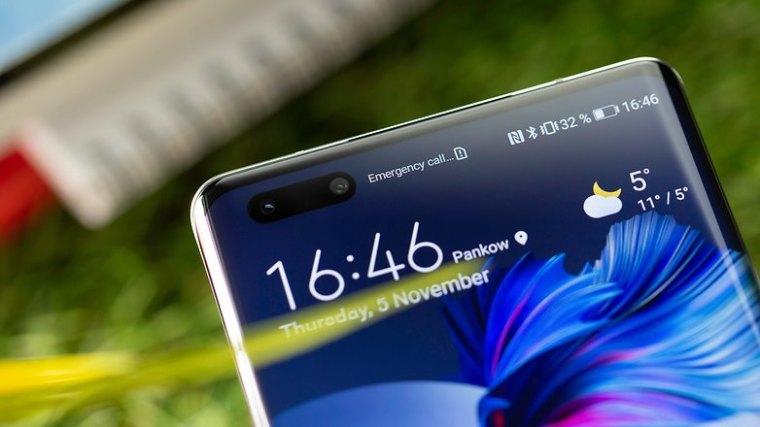 NextPit Huawei Mate 40 Pro front camera