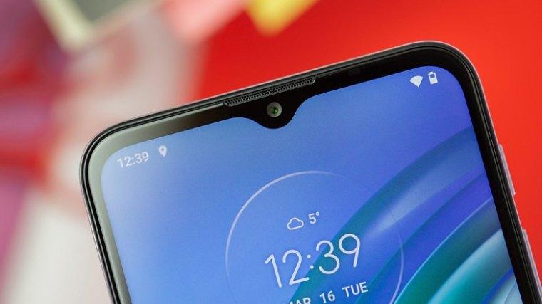 NextPit Motorola Moto G10 front camera