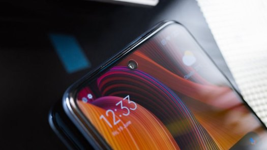 AndroidPIT Redmi Note 9 Pro front camera