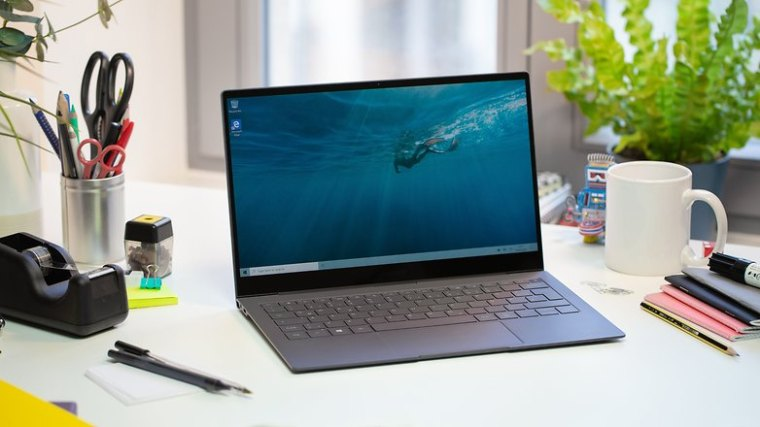 AndroidPIT Samsung Galaxy Book S front