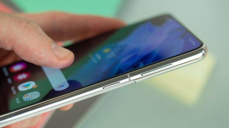 NextPit Samsung Galaxy S21 5G side display