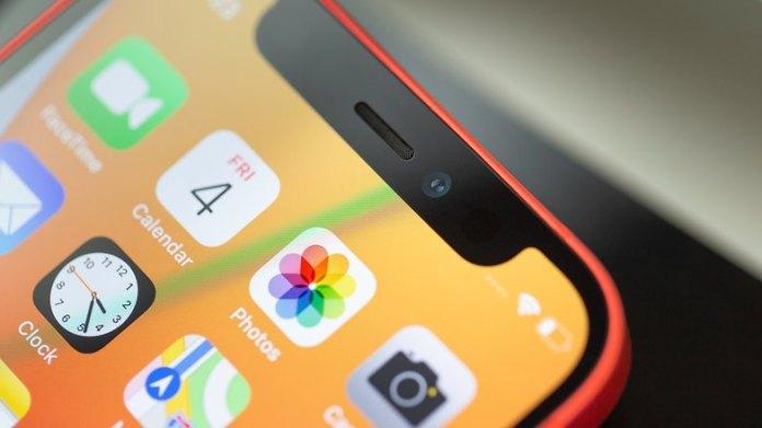 NextPit iPhone 12 Mini front camera