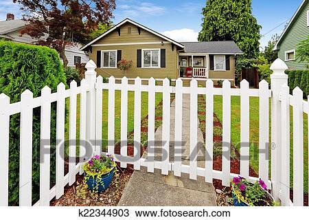 americain exterieur maison a blanc ferme bois portail banque d image