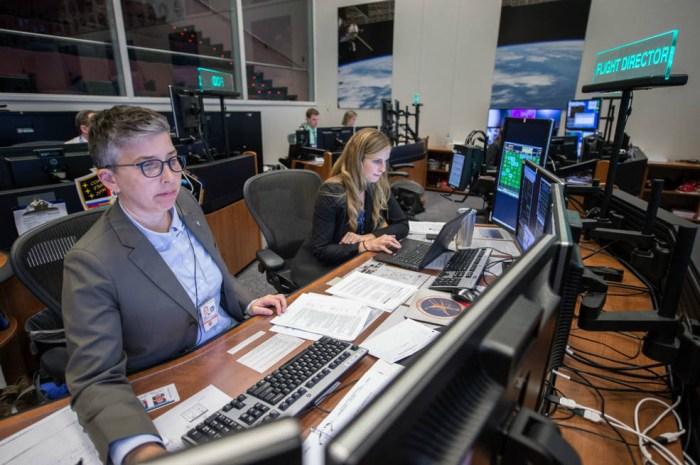 NASA Makes Open Call for Flight Directors in Diversity ...