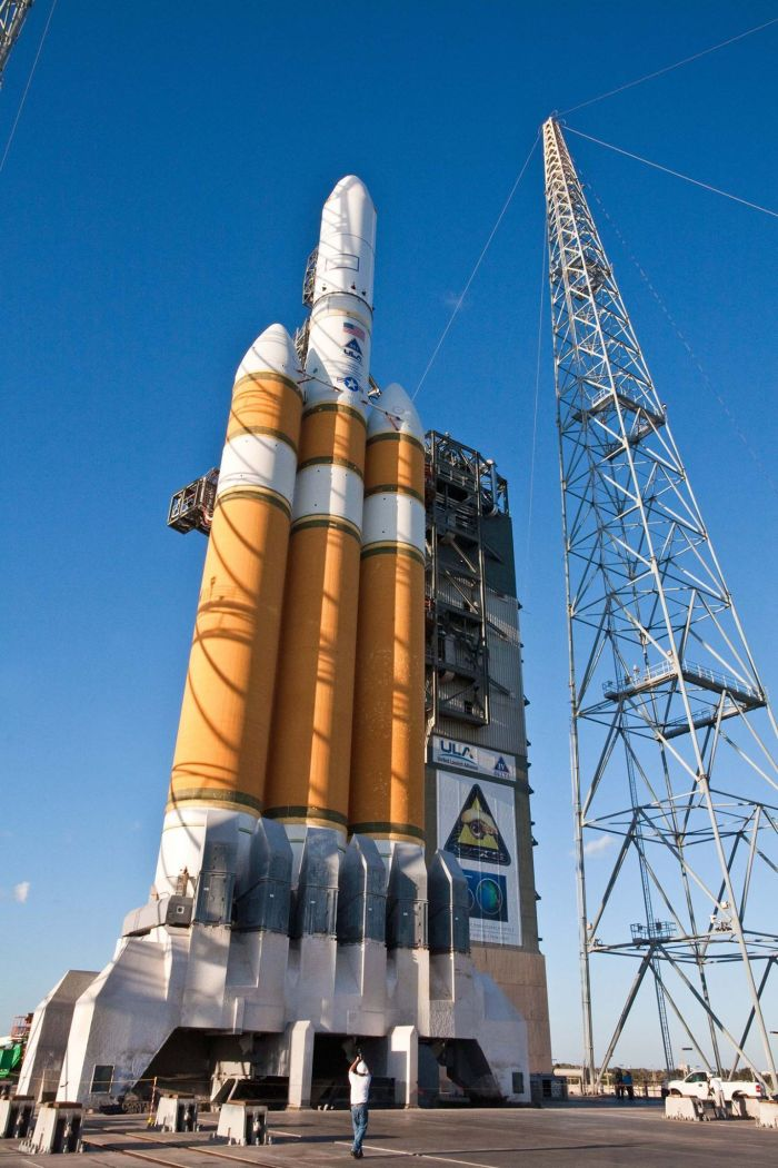 Watch This Delta IV Heavy Rocket Send Spy Satellites Into