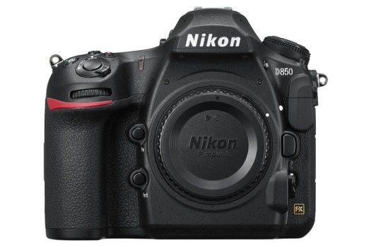 A Hands-On First Look at the Nikon D850
