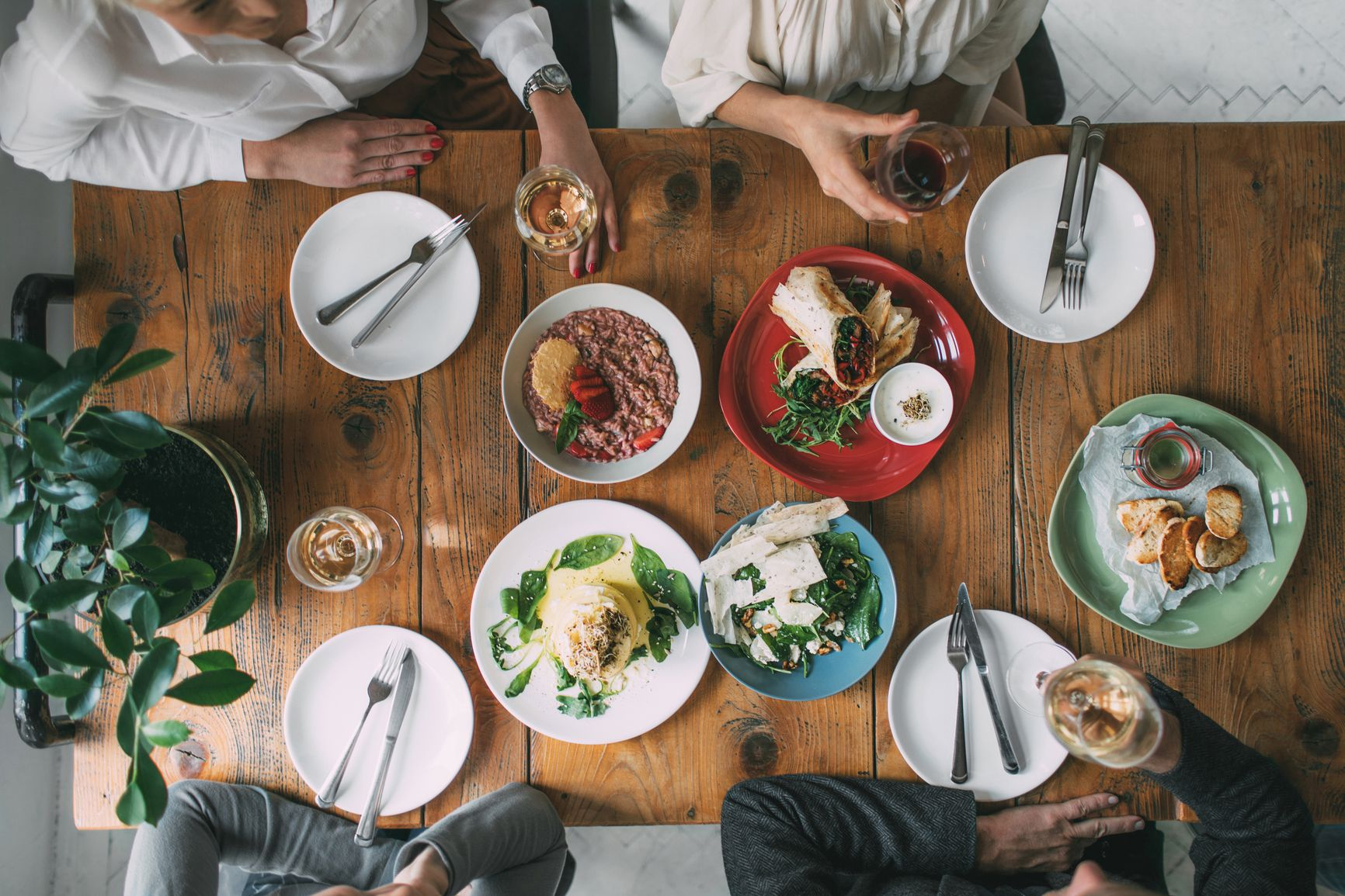 Tips On Proper Etiquette At The Table