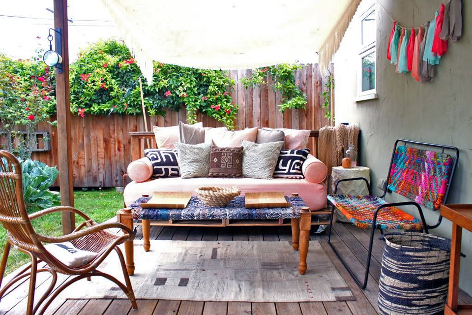 14 Best Outdoor Decorating Ideas for Small Spaces on Small Back Deck Decorating Ideas id=79785
