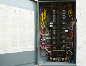 Remove a Circuit Breaker Safely By Yourself