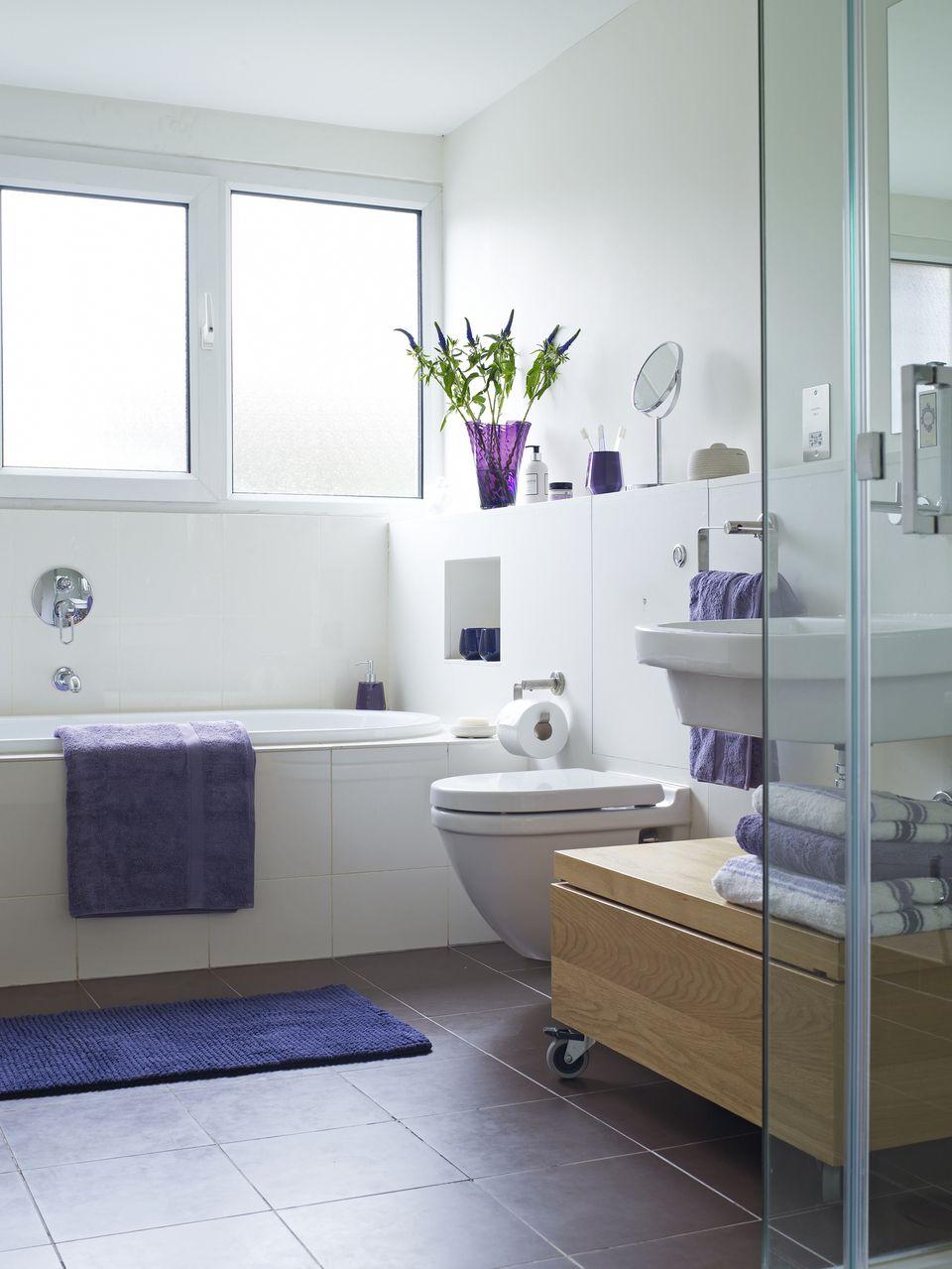 25 Killer Small Bathroom Design Tips on Restroom Ideas  id=27579