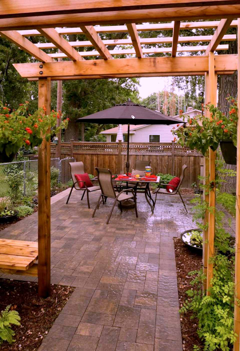 25 Perfect Patio Paver Design Ideas on Small Backyard Brick Patio Ideas  id=81767