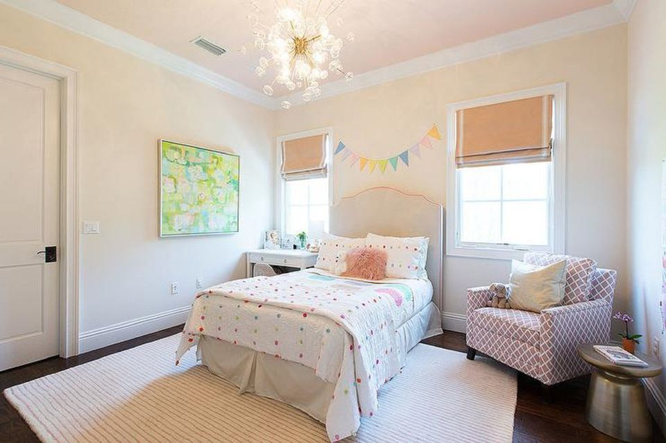 Ideas for Decorating a Little Girl's Bedroom on Girls Bedroom Ideas For Very Small Rooms  id=28668