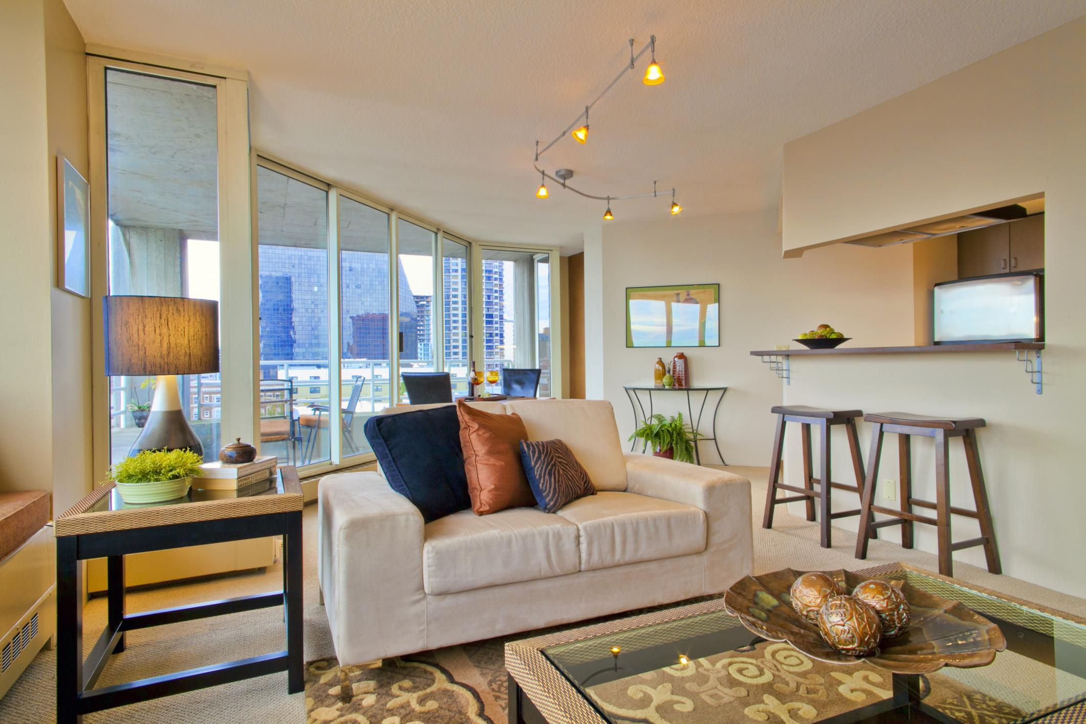 How to Decorate a Small Living Room on Room Decor Photos  id=18573