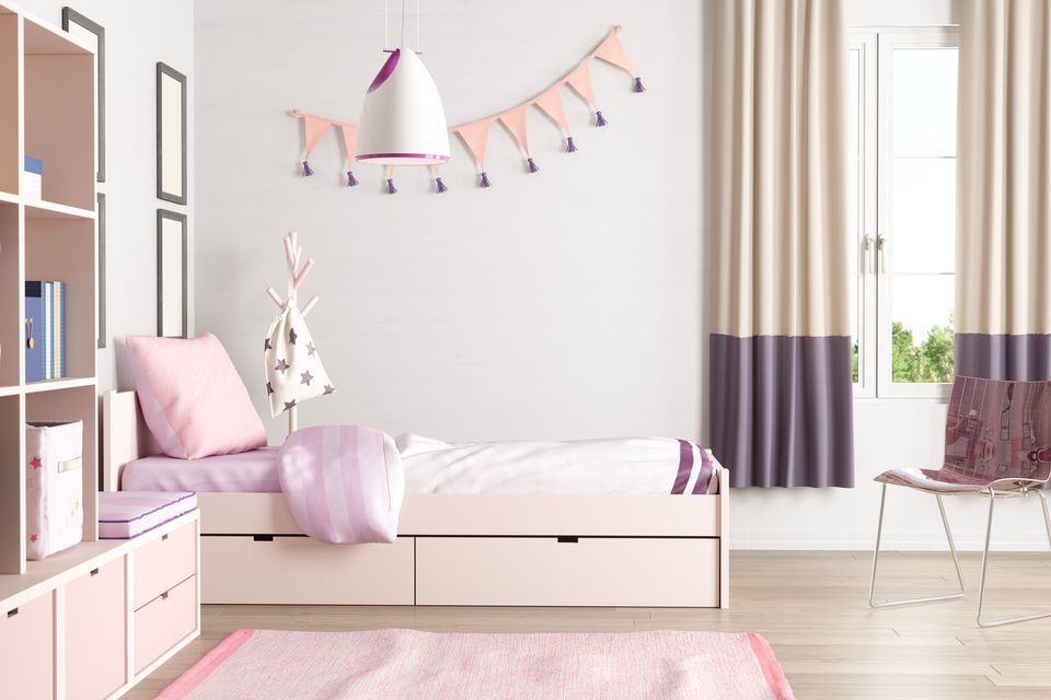 Budget Decorating Ideas for Teenage Bedrooms on Teenager Simple Small Bedroom Design  id=14472