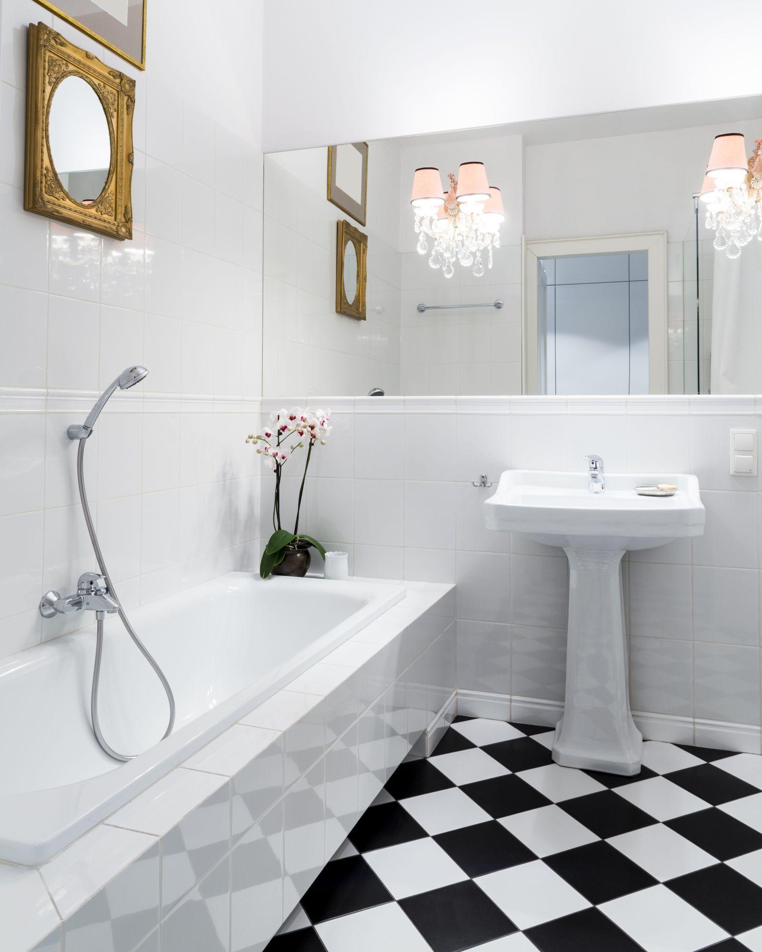 linoleum flooring in bathroom settings