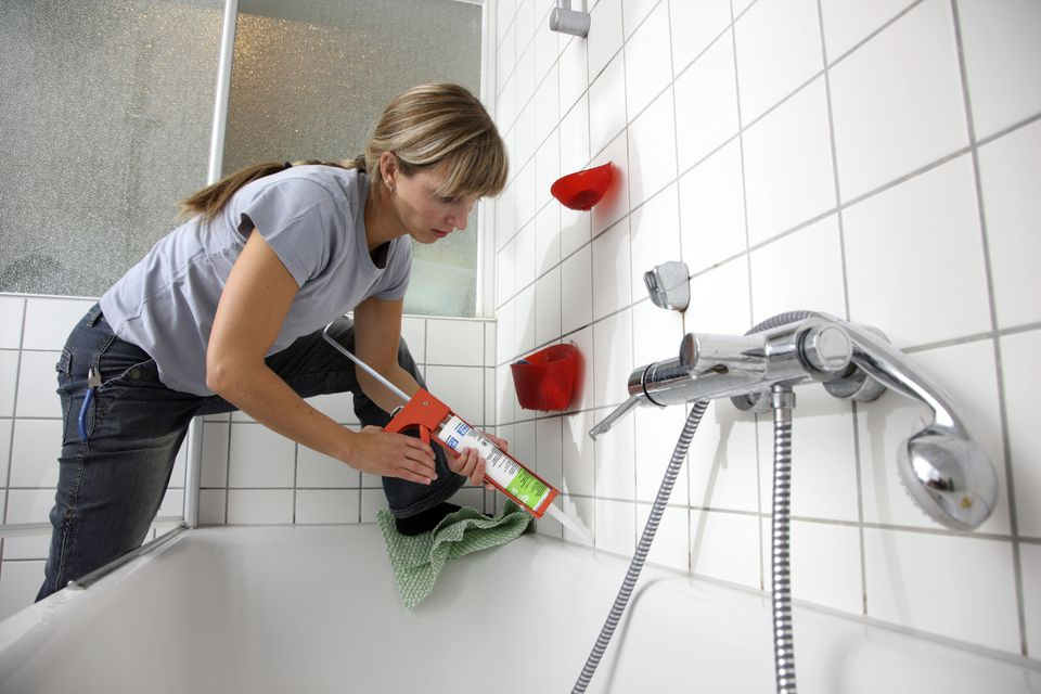 do it yourself vs. professional bathroom remodeling