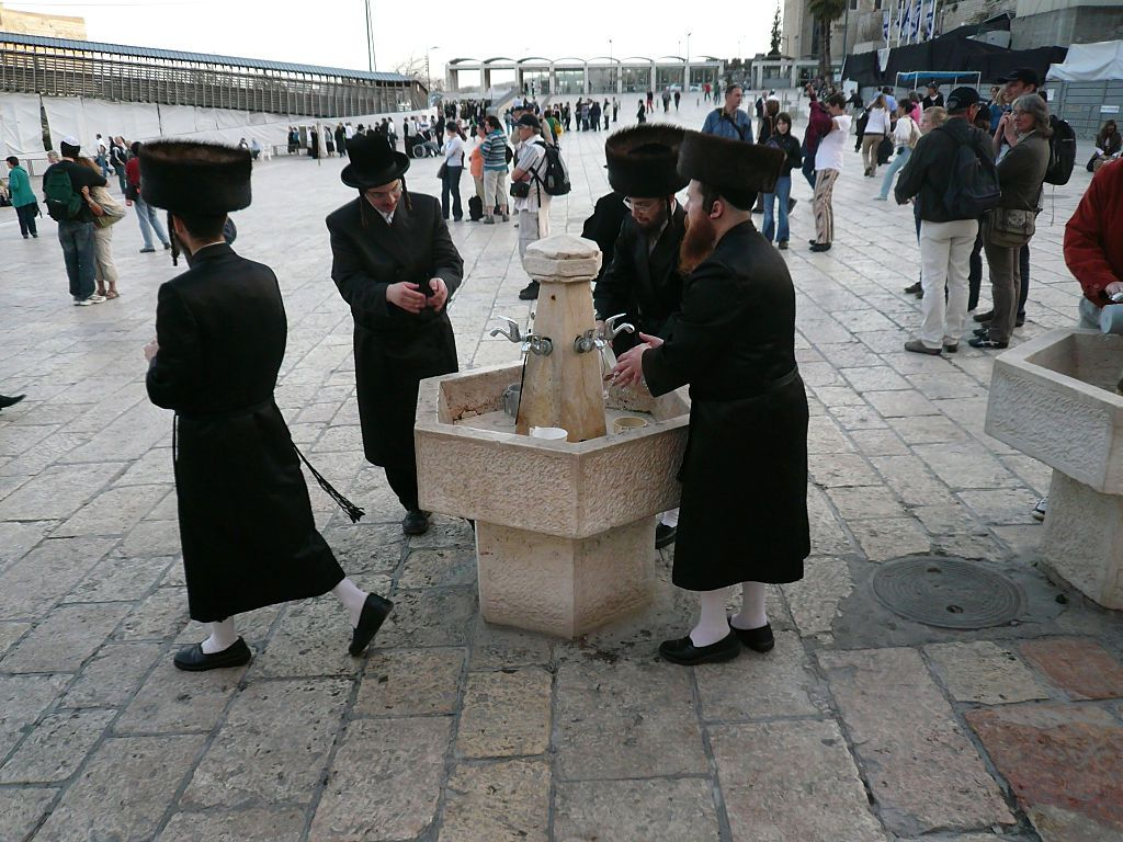 The Origin And Meaning Of Jewish Hand Washing Rituals