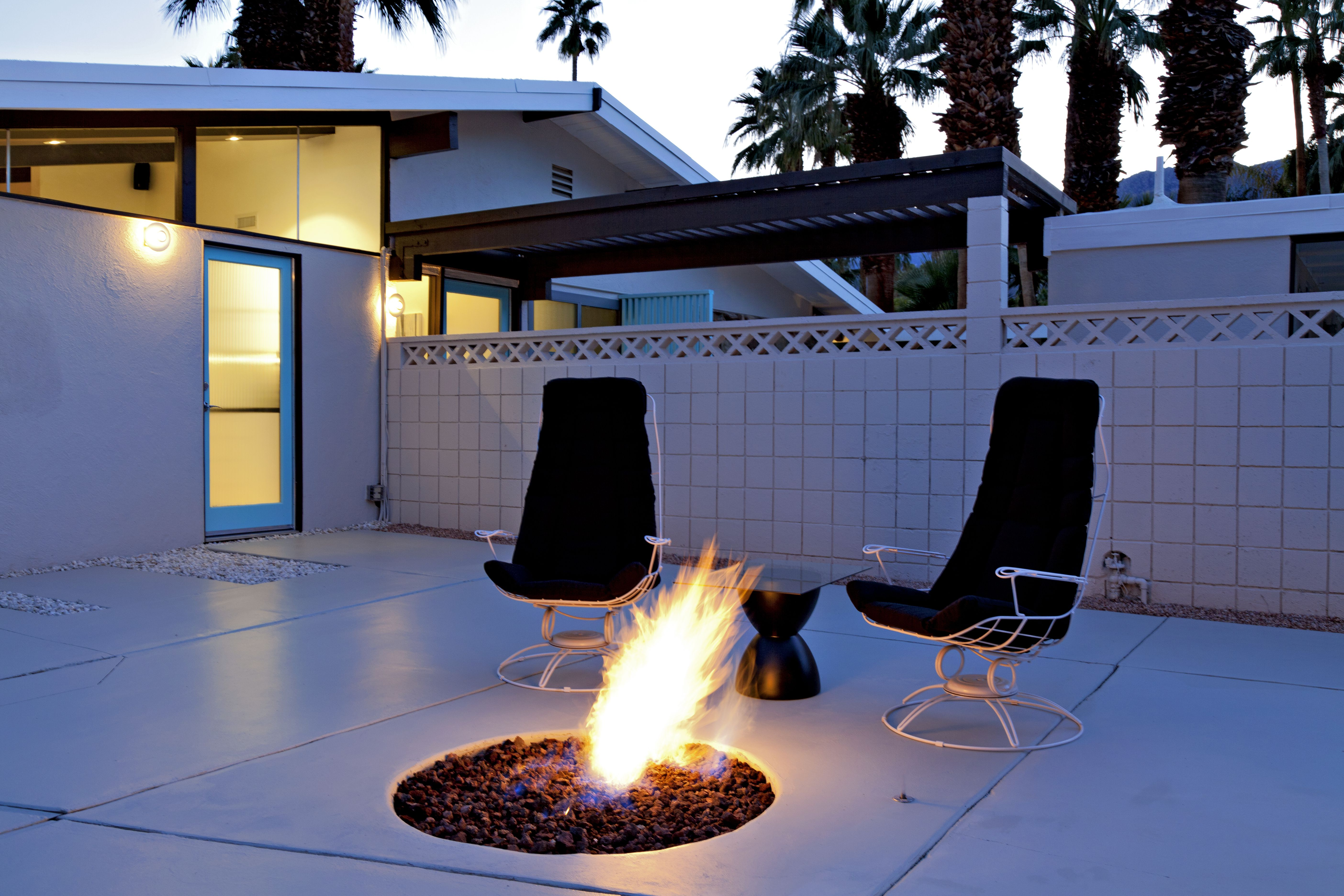 Concrete Patios: 12 Great Designs and Ideas on Concrete Slab Backyard Ideas id=86837