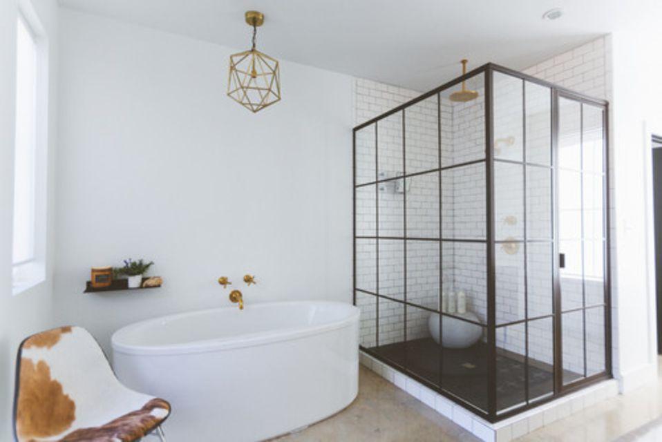 16 Modern Farmhouse Bathrooms on Modern Farmhouse Shower  id=65349