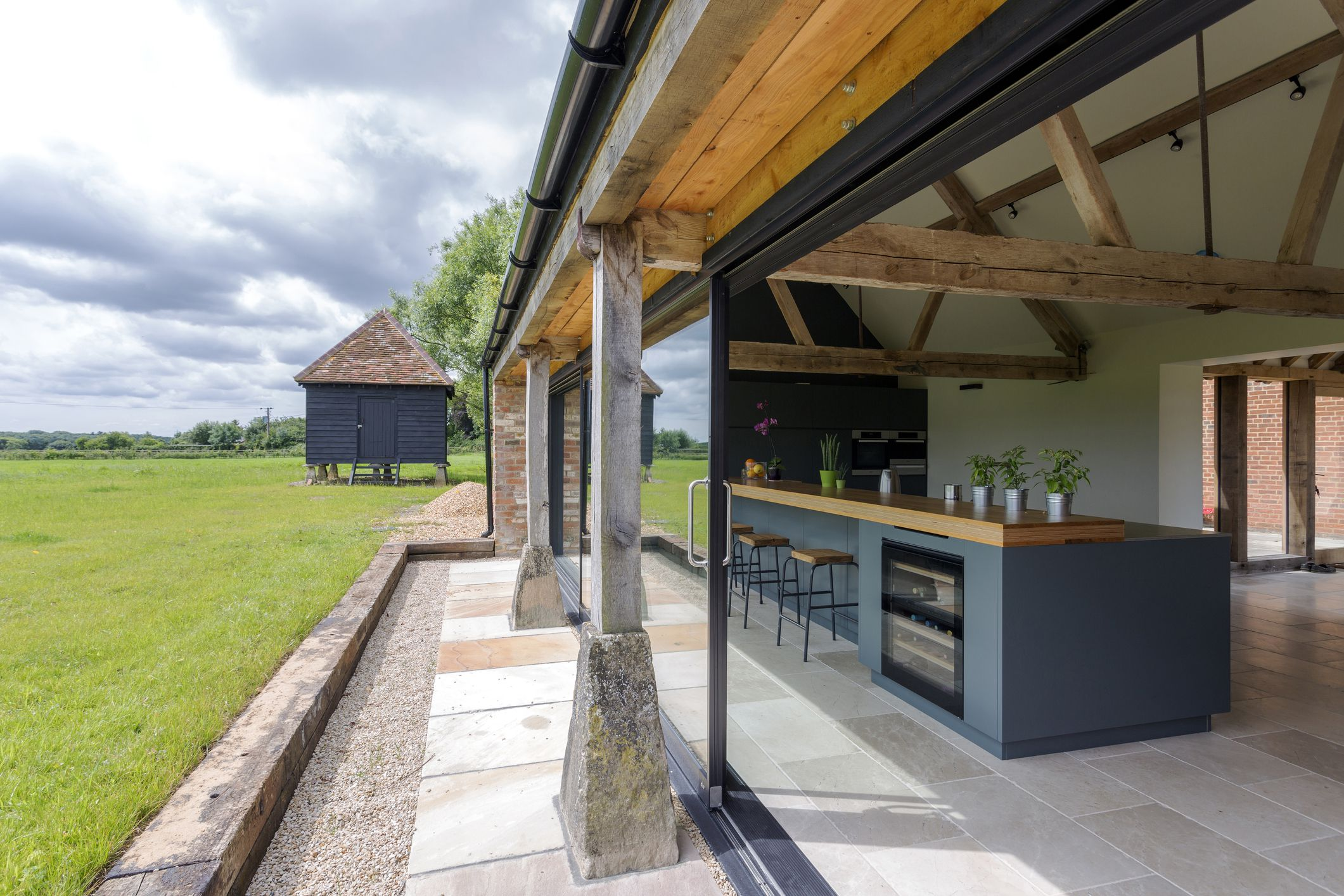 Outdoor Kitchen Pictures and Ideas on Patio Kitchen id=88539