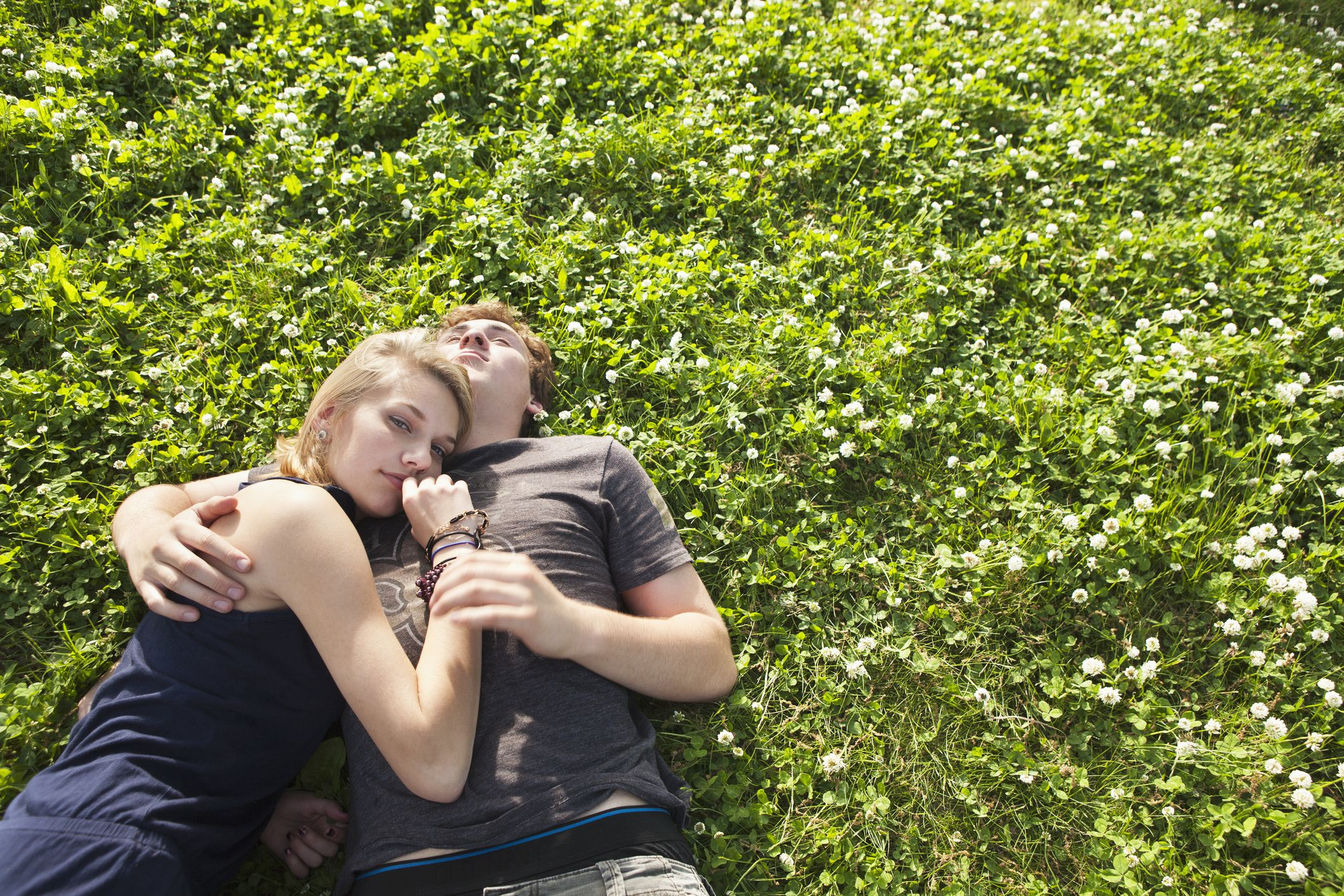 7 Signs Your Teen Is In An Unhealthy Relationship