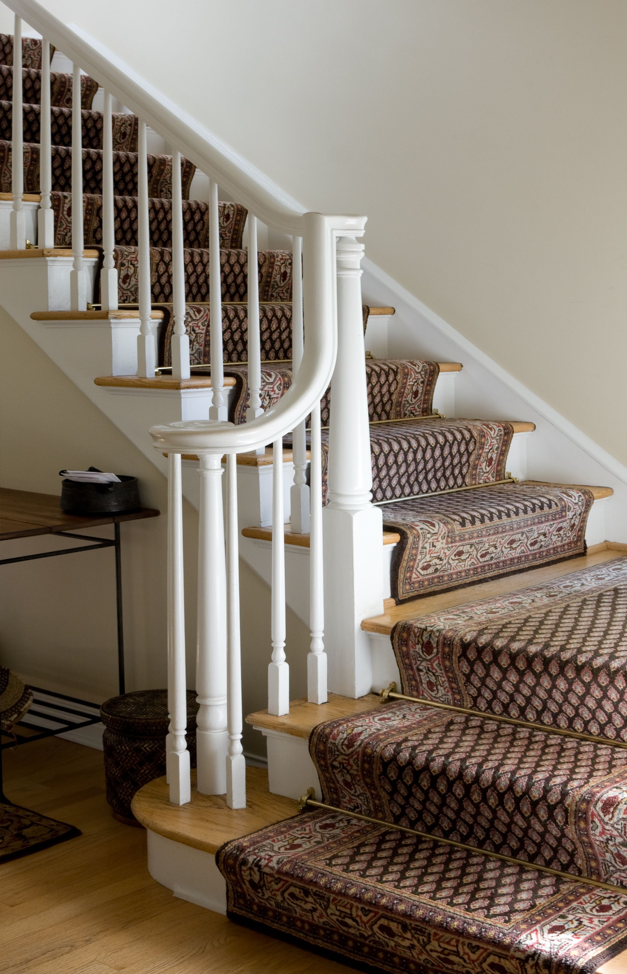 Guide To Choosing A Carpet Runner For Stairs | Carpet Runners For Carpeted Stairs