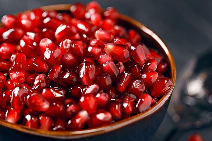 अनार के शीर्ष स्वास्थ्य लाभ | Top 6 Best Health Benefits Of Pomegranate