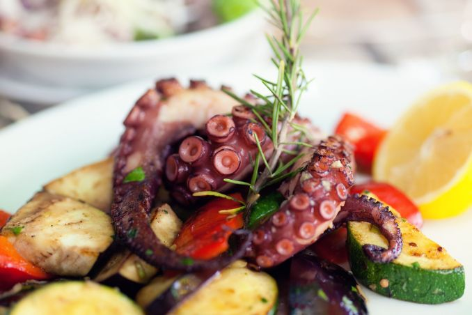 Greek Grilled Octopus (Htapothi sti Skhara) Recipe