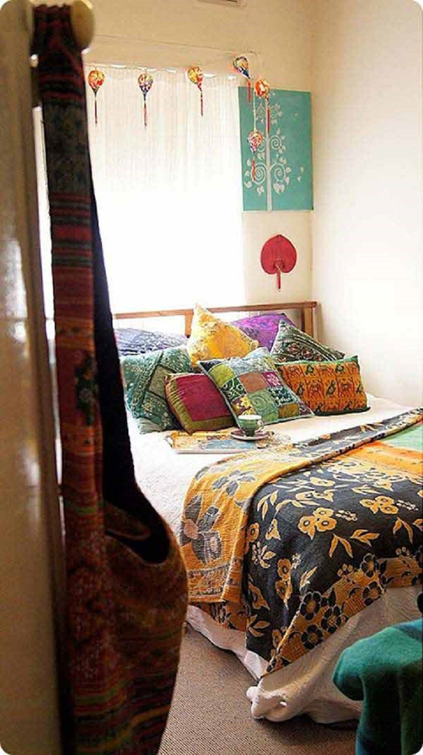 Beautiful Boho Bedroom Decorating Ideas and Photos on Modern Bohemian Bedroom Decor  id=70478