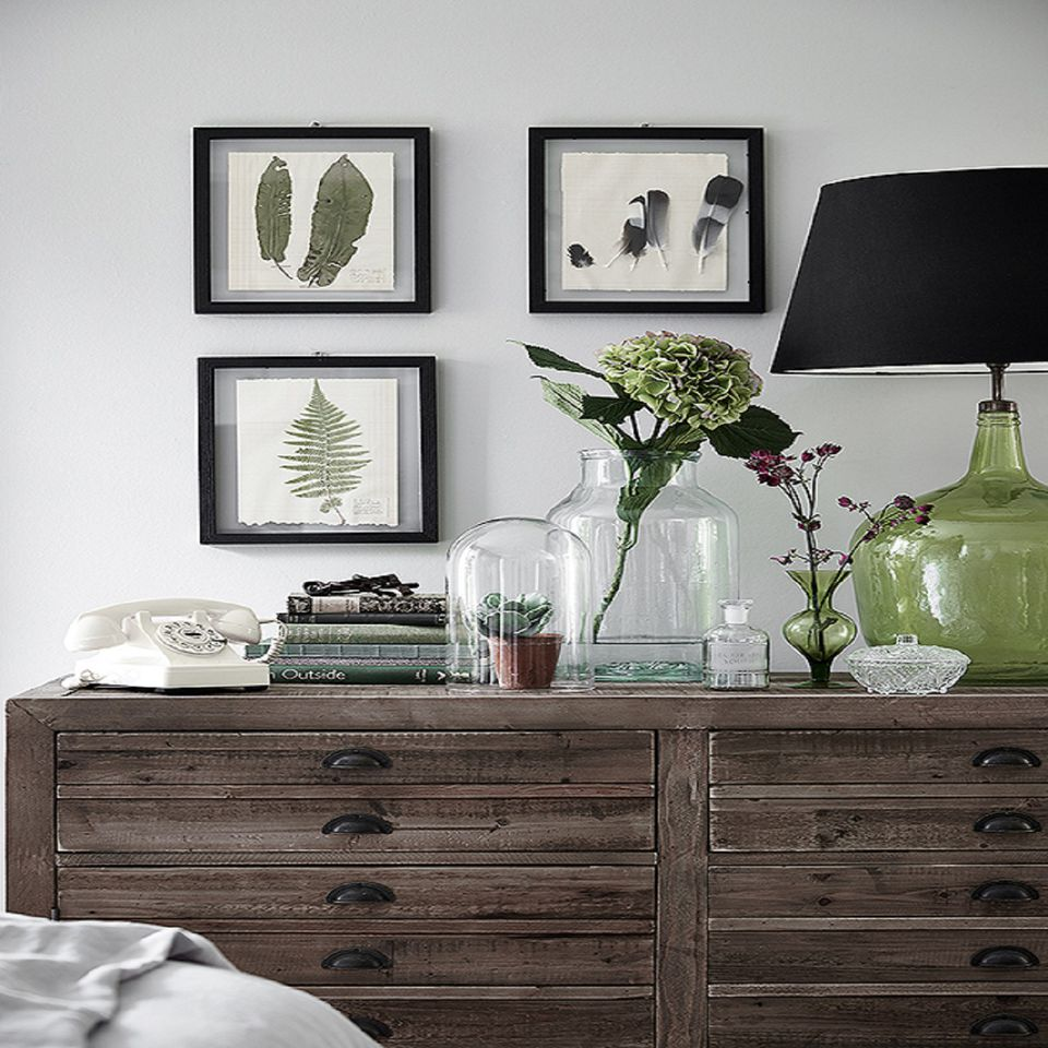 There are many ways to decorate. Decorating the Bedroom with Plants or a Botanical Theme