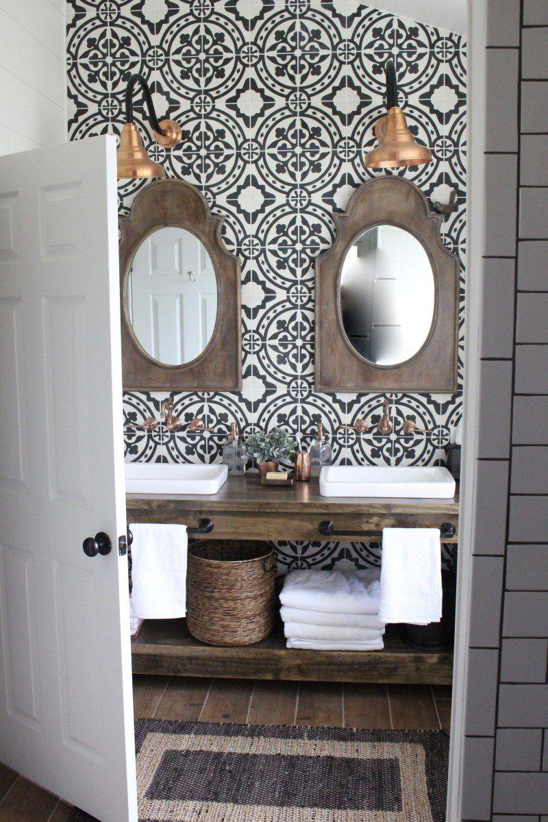 15 Inspiring Farmhouse Bathrooms on Farmhouse Tile Bathroom Floor  id=73601