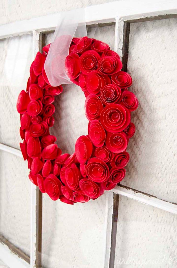 10 Paper Flower Wreaths You Can DIY