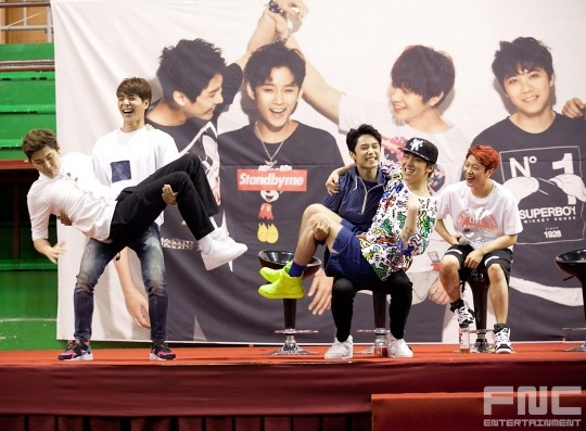 31.08.14 - ftisland athletics pri day 14
