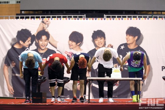 31.08.14 - ftisland athletics pri day 40