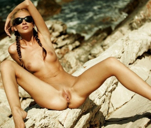 Nude Blonde Nature Front Open Legs Pussy Vagina Boobs