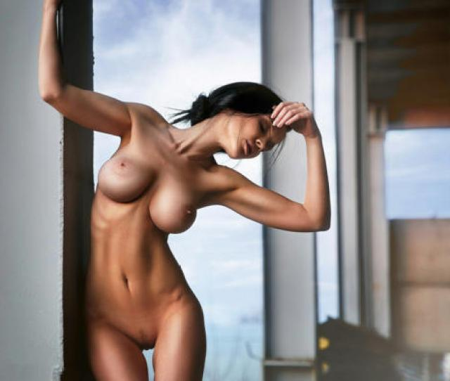 Skinny Big Tits Boobs Shaved Landing Strip Brunette Navel