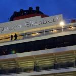 動画あり!!神戸港に客船「クイーン・エリザベス号」