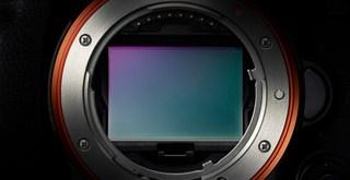 【デジカメ情報】ソニーの50メガピクセルのカメラについての続報。「α7RII」は?