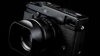 ソニーのミラーレス一眼「α7000」に搭載されるセンサーは、富士フィルム「X-PRO-2」にも搭載か!?