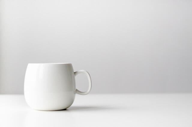 シンプルなカップ