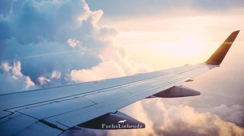 11 Dinge, die man im Flugzeug dabei haben sollte