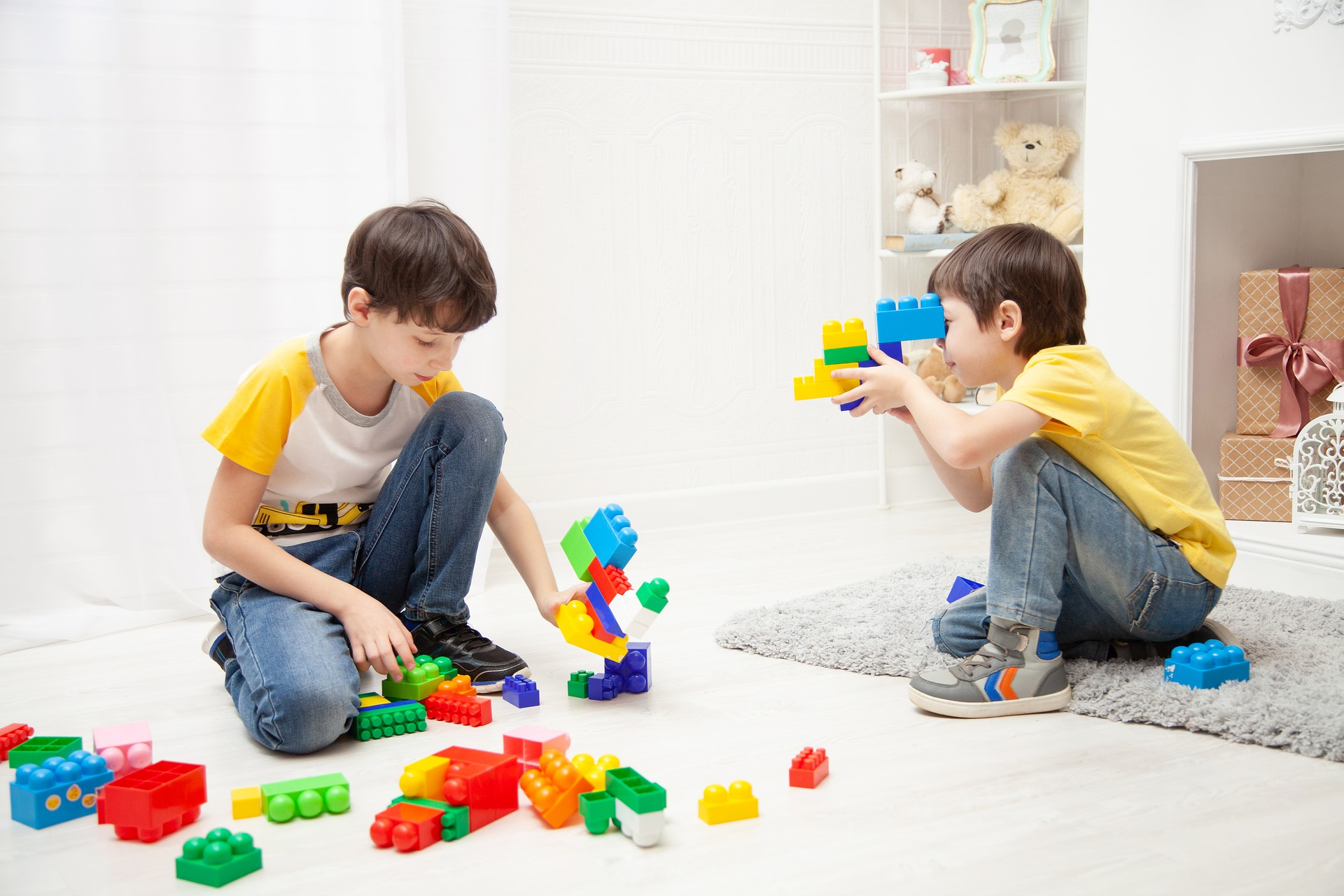 11 Dinge, um die Zeit zu Hause mit Kleinkind sinnvoll zu füllen
