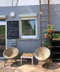 terrasse-fahrradcafe-stolpe-fuchs-hase-angebotstafel