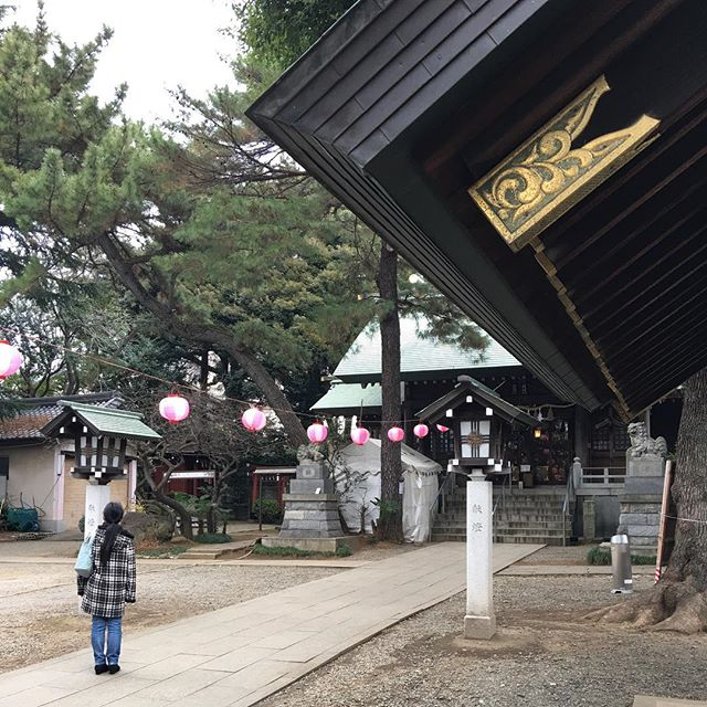 It is 4:30 PM in Japan : around mid night shrines will be full of Japanese praying for New Year but quiet now )