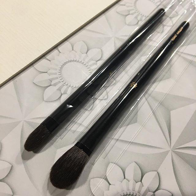 #Kyureido Eyeshadow L and M (grey squirrel)5000 yen 4500 yen