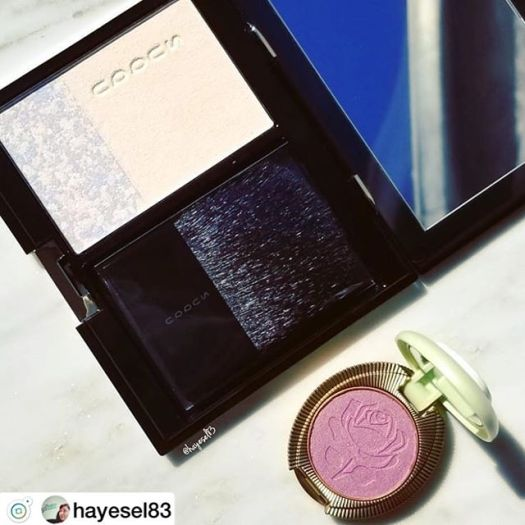 Thank you @fudejapan! I got the new @suqqu_official face powder and this adorable @maisonladuree eyeshadow. #sundayfunday #newmakeup #japan #suqqu #laduree #makeupjunkie #makeupaddict #beautyaddict #beautylover #igbeauty #beautycommunity #instabeauty #ilovemakeup #beautyblogger #cosmeticos #makeup #maquillaje #beautygram #makeupcollection #makeupinspo #makeupflatlay #prettypackaging