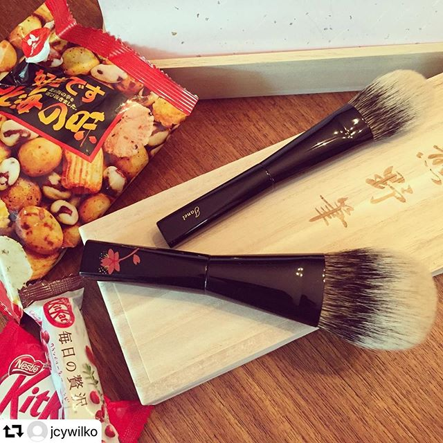 #repost @jcywilko・・・Beauty and the Treats — Thank you @fudejapan for these lovely brushes! #fudejapan #fude