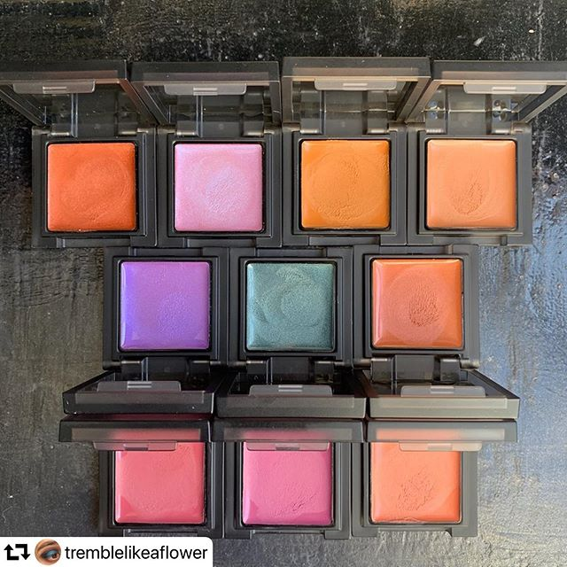 #repost @tremblelikeaflower・・・#swatchsaturday @celvoke.jp #InfinitelyColor cream edition.Celvoke lists these multi-use pans as being a 'moist and smooth texture that blends easily into skin and stays put'. Honestly when they were first launched the shade range made me think they were cream eyeshadows (dark brown, copper and bronze) but I have had success wearing subsequent shades on my cheeks and lips..With the AW19 collection the core (permanent range) is now 13 shades deep and there have been a total of 6 LE shades released as well..The top row are the permanent shades I own (2 Mandarin, 4 Blue Pink, 7 Sand, 12 Sunstone) and the other 2 rows are the LE (EX01 Dazzling Purple, EX02 Misty Green, EX03 Pumpkin, EX04 Camellia, EX05 Dahlia, EX06 Lanthanum).Most shades I find pretty long wearing and comfortable, although I have had some difficulty with 4 Blue Pink being slightly patchy..I've also included a size comparison with the Comfy Cream Blush. Both are the same price but one is much larger (although more problematic to work with).My favourite shades are both from last year's summer collection, 7 Sand and EX02 Misty Green. I like them alone or together so they often make it into my travel bag.