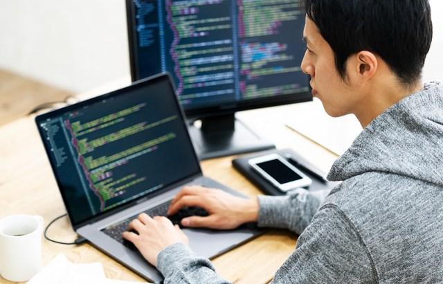 情報システム受託開発業界のM&Aと企業価値評価