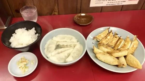 みんみん宿郷店の餃子セット